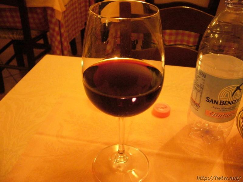 トラットリア・アッカディ ワイン