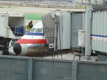 ダラス・フォートワース国際空港AA2348 MD-80