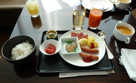 JAL-Fラウンジ3階食事