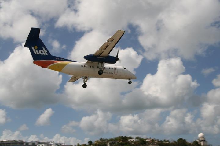 LIAT DHC8