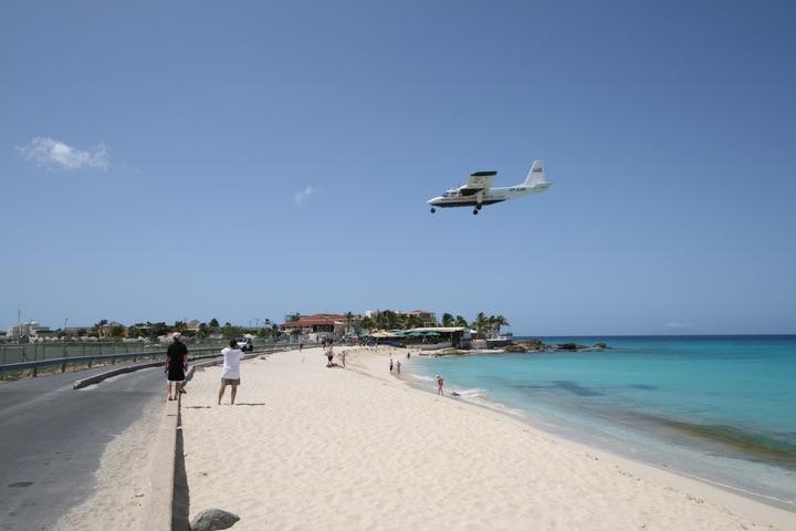 BN-2A-26 Islander MahoBeach