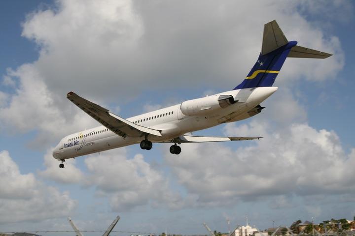Insel Air MD-82 MahoBeach