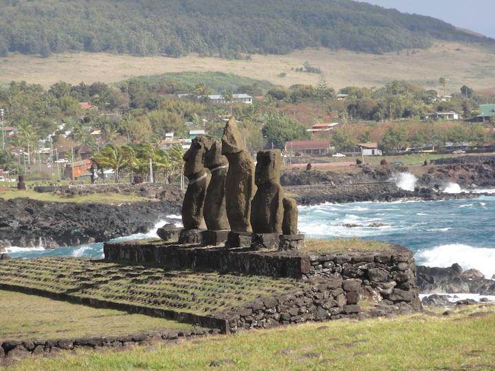 世界一周3日目ハンガロア村・タハイ儀式村・イースター島