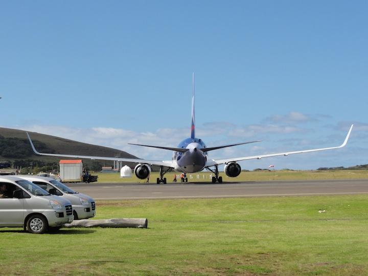 世界一周6日目イースター島マタベリ国際空港