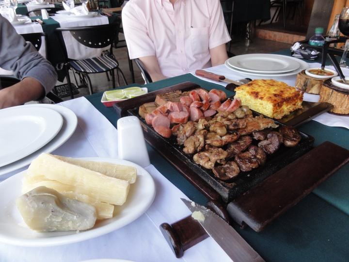 世界一周8日目パラグアイ・アスンシオンUn Toro y Siete Vacas