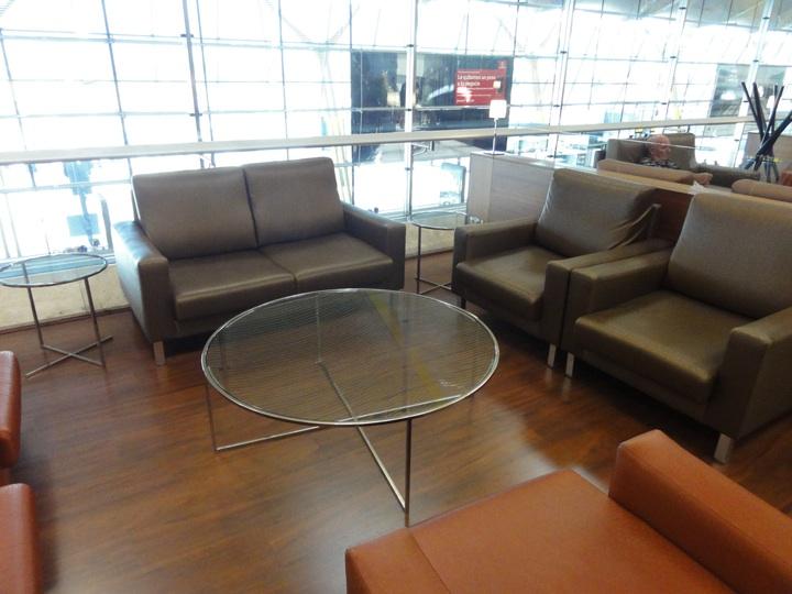 MAD sala lounge