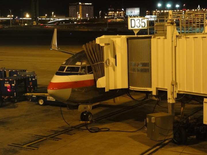 AmericanAirlines AA2013 ORD-LAS FirstClass