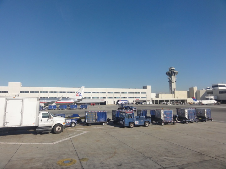 AmericanAirlines AA2404 LAS-LAX FirstClass