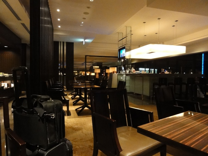 JAL Firstclass Lounge NRT