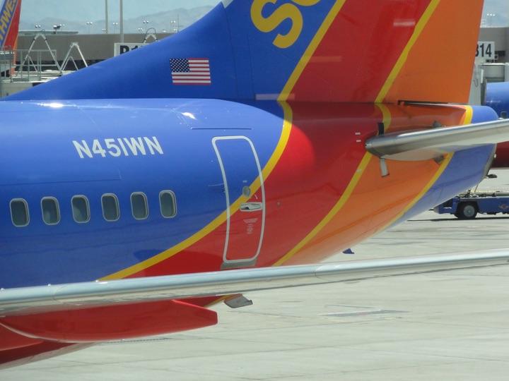 SouthWest B737-700 WN1049